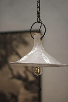 Kinda dig this funnel ceramic lamp by Natalie Page (via BDDW I Remodelista) Lampe Art Deco, Deco Luminaire, Ceramic Light, Ceramic Pendant, Ceramic Pottery, Ceramic Art, Ceramic Lamps, Ceramic Furniture, Glazed Pottery