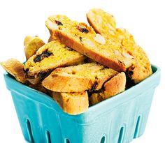 Recept: Saffransskorpor med tranbär och vit choklad Snack Recipes, Snacks, Swedish Recipes, Fika, Tart, Biscuits, Chips, Dopp, Ge Bort