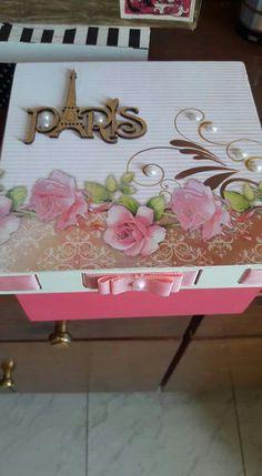 Decoupage Tutorial, Decoupage Box, Photo Boxes, Diy Tassel, Tea Box, Pretty Box, Box Art, Mosaic Art, Printable Art
