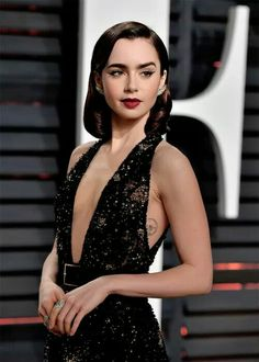 Lily Collins #Academy2017