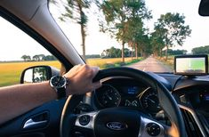How confident are your vehicle is fuel-efficient? Did you know you could help it be better in this respect? Try these 13 fuel-efficient driving techniques and find out! Transmission Repair Shop, Drivers Ed, Driving Courses, Automobile, Distracted Driving, Car Rental Company, Der Bus, Driving Tips, Driving School