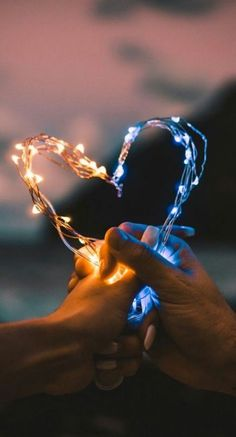 Got this thing about fairy lights so put some in your… – Best Decoration Love love love! Got this thing about fairy lights so put some in your Galaxy Wallpaper, Screen Wallpaper, Wallpaper Ideas, Dark Wallpaper, Creative Photography, Nature Photography, Photography Ideas, Makeup Photography, Photography Backgrounds