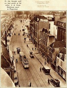 Mooi gezicht op het verkeer in de Groote Marktstraat 's Gravenhage in beeld, 9 september 1927 Old Pictures, Old Photos, La Haye, Amsterdam, The Hague, Leiden, 9 September, Netherlands, Holland
