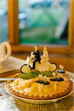 wedding pie with motorcycle topper #motrocyclecaketopper #aspenwedding #westernwedding http://www.weddingchicks.com/2014/01/16/wild-western-wedding/