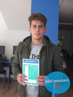 Abraham se sacó el carnet de conducir en Autoescuelas Vial Masters. ¡¡Enhorabuena!! ¡Disfrútalo!