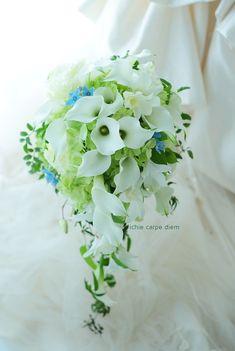 ホテル椿山荘東京様へのブーケ、  カラーの花をメインに、ブルースターをサムシングブルーに。      では皆様今日もお疲れ様でした!      ...
