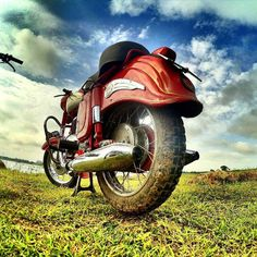 1961 Jawa 250cc  Young and Dirty!  Photo courtesy of @hassanelyas  More photos…