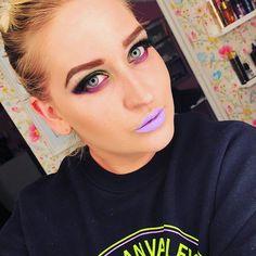 This #sweater from @hm 💜💜💜 #look #beauty #mua #makeup #makeuplook #makeupaddict #cybergoth #cybermakeup #lotd #purplelips #neon #neonmakeup #eyeshadows from @sugarpill and @urbandecaycosmetics browgel from @sleekmakeup lipstick from @sephora contour from @katvondbeauty 😘😘😘🍬🍬🍬 #uuchallenge @selfiequeens_no @uni4unorgeas