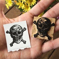 Xilogravura/Woodcut 5 x 4,3 cm #print #printmaking #Xilo #woodcut #xilografia…