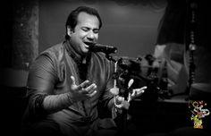 Pakistani singer Rahat Fateh Ali Khan injured in traffic accident. Rahat Fateh Ali Khan, Nusrat Fateh Ali Khan, New Hindi Songs, All Songs, Epic App, Evergreen Songs, Songs 2013, Lata Mangeshkar, Song List