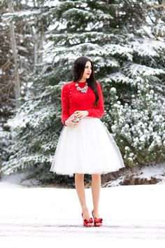 Loving the tea length tulle skirts right now! Christmas tulle skirt, white and red Cute Christmas Outfits, Christmas Fashion, Holiday Outfits, Christmas Time, Christmas Dresses, Red Christmas, Christmas Dinner Outfit Women, White Christmas Outfit, Christmas Sweaters