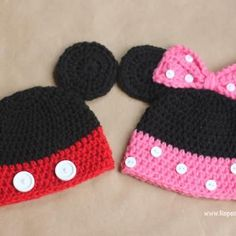 and Minnie Mouse Crochet Hat Pattern Repeat Crafter Me: Mickey and Minnie Mouse Crochet Hat Pattern. Too Stinkin' Cute!Repeat Crafter Me: Mickey and Minnie Mouse Crochet Hat Pattern. Too Stinkin' Cute! Crochet Hat Sizing, Bonnet Crochet, Crochet Beanie, Crocheted Hats, Easy Crochet Baby Hat, Crochet Animal Hats, Crochet Crafts, Yarn Crafts, Crochet Projects