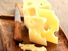 ¿Por qué el queso es un alimento adictivo? http://www.muyinteresante.es/ipor-que-el-queso-es-un-alimento-adictivo #ciencia #science #nutrición