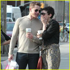 I did NOT know Josh Dallas and Ginnifer Goodwin were dating in real life. and now they're engaged!!!!