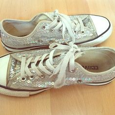 Sequins covered converse Men's size 5 or women's size 7 good condition, some scuffs as shown. Silver sequins covered converse shoes Converse Shoes Sneakers