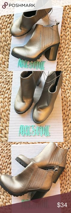 "Sam & Libby NEW Deanna pewter booties size 7 NEW Sam & Libby Pewter booties ""Deanna"" style size 7. These are badass boots!! Such a pretty color!! Sam & Libby Shoes Ankle Boots & Booties"