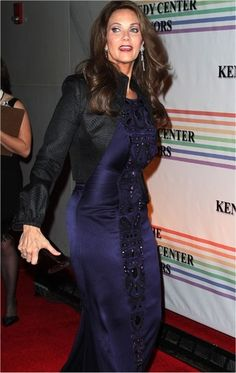 Take a look at this recent pic of Lynda Carter whos 60. Shes best known for her role as Wonder Woman. Lynda still looks amazing.  Heres what Lynda has to say about her workouts.  Im always looking for new things to do in my workout, because I get bored. When traveling, I take my jump-rope and elastic straps that help me do push-ups and curls. Its like the Jack Lalanne Glamour Stretcher my mom worked out with!  Read a bit about Lyndas thoug