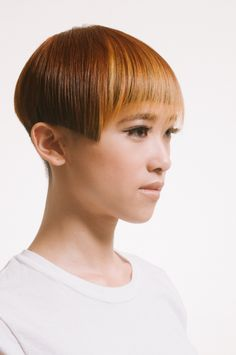 pixels-pin it by carden Unique Hairstyles, Pixie Hairstyles, Haircuts, Really Short Hair, Toni And Guy, Hair Setting, Bowl Cut, Love Hair, Hair Art