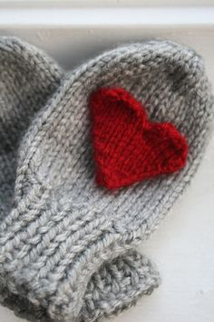 Wear your love for Valentine's Day with these knit Valentine heart mittens.