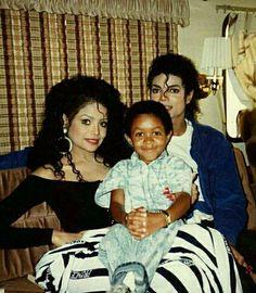 Michael, Latoya and Emmanuel Lewis on the set of TWYMMF