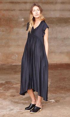 Vaira dress - Plümo Ltd