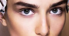 Wondering how to make your eyebrows thicker naturally? We've got six tools that will give you a bold brow using completely natural products.