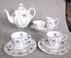 Royal Albert MINUET Tea for Two Set  TEAPOT, Pl. Cups Saucers Etc. in Pottery & Glass, Pottery & China, China & Dinnerware, Royal Albert | eBay