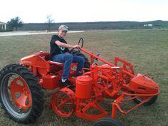 Antique Tractors, Vintage Tractors, Old Tractors, Vintage Farm, Lawn Tractors, Farming Technology, Steam Tractor, Allis Chalmers Tractors, Train Truck