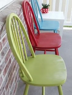 Refinished Chairs {Tutorial} Love the colors!