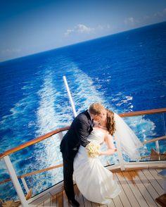 to tie the knot while sailing the high seas - cruiseship wedding