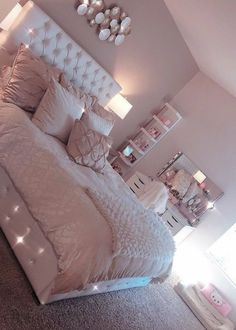 Light Pink Room Decor Bedroom Decor Pink Bedroom Design with Cute Room Decor Cute Room Decor, Teen Room Decor, Teen Bedroom Colors, Light Pink Bedrooms, Blush Pink Bedroom, Teenage Girl Bedrooms, Cute Bedroom Ideas For Teens, Girls Bedroom Ideas Teenagers, Room Decor Bedroom Rose Gold
