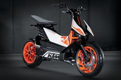 KTM-E-speed-3 Scotter electrico  10 kW de potencia nominal y 36 Nm a velocidad máxima de 85 km/h
