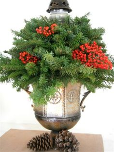 How to Make Fresh Christmas Centerpieces for Under $10