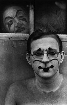 """From the """"Circus Days"""" series (1971) by American documentary photographer Jill Freedman."""