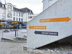 Gymnasium und Institut Unterstrass Signaletik