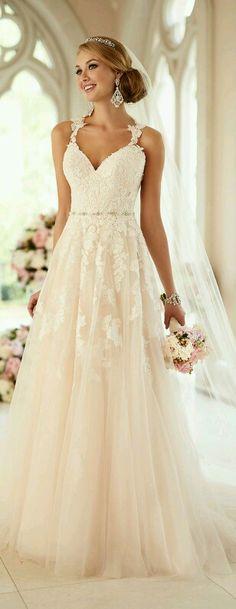 Blush weddingdress