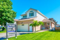 851 Beatrice St, E North Oshawa $499,000 Mansions, House Styles, Home Decor, Decoration Home, Room Decor, Fancy Houses, Mansion, Manor Houses, Mansion Houses