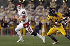 Landry Jones and Oklahoma at West Virginia - 2012
