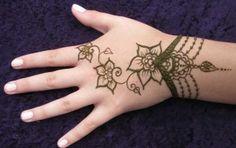 Simple Henna Design Idea for Kids