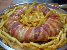 Pastel bacon, queso, serrano y pollo Meat Recipes, Mexican Food Recipes, Chicken Recipes, Cooking Recipes, Ethnic Recipes, Pollo Chicken, Le Pilates, Tasty, Appetizers