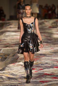 Парижская неделя моды: Alexander McQueen, весна-лето 2017, Buro 24/7