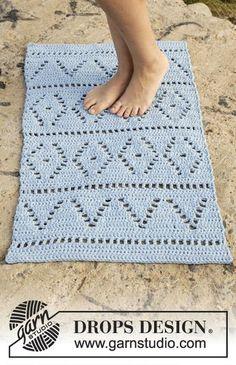 Boardwalk - free crochet rug pattern from Drops Design. Crochet Mat, Crochet Carpet, Free Crochet, Crochet Home Decor, Crochet Crafts, Crochet Projects, Drops Design, Magazine Drops, Knit Rug