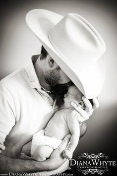 cowboy father with newborn daughter loooooooooooooovvvvvvvvveeeeeeeee!!!!!!!!