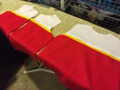 Back and front pieces sewn together for Paw Patrol vest. Ryder Paw Patrol, Chase Paw Patrol Costume, Paw Patrol Halloween Costume, Los Paw Patrol, Paw Patrol Toys, Ryder Pat Patrouille, Diy Costumes, Halloween Costumes, Costume Ideas