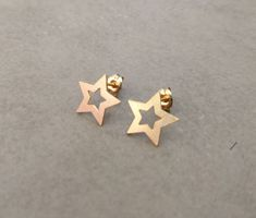 Original Handmade Jewelry designs by Hila Assa by HilaAssaJewelry Gold Star Earrings, Tiny Earrings, Triangle Earrings, Leaf Jewelry, Gold Jewelry, Jewellery, Circle Pendant Necklace, Handmade Jewelry Designs, Gold Stars