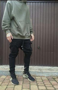 Relaxed Urban Wear http://www.99wtf.net/men/mens-fasion/latest-mens-fashion-trends-2016/