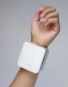 BP7   Blood pressure monitoring device   Beitragsdetails   iF ONLINE EXHIBITION