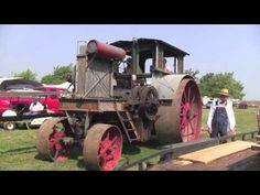 Pontiac2011.mov Antique Tractors, Vintage Tractors, Old Tractors, Tractor Photos, Farm Show, Steam Tractor, Minneapolis Moline, Central States, Old Farm Equipment