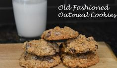 Crunchy versus chewy: Old Fashioned Oatmeal Cookies Baking Recipes, Great Recipes, Dessert Recipes, Favorite Recipes, Desserts, Oatmeal Cookie Recipes, Oatmeal Chocolate Chip Cookies, Old Fashioned Oatmeal Cookies, Cookie Brownie Bars