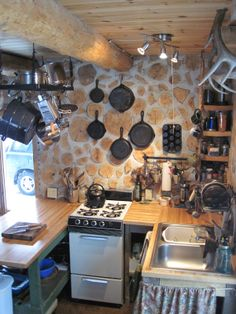 The Cordwood on Pinewood - kitchen